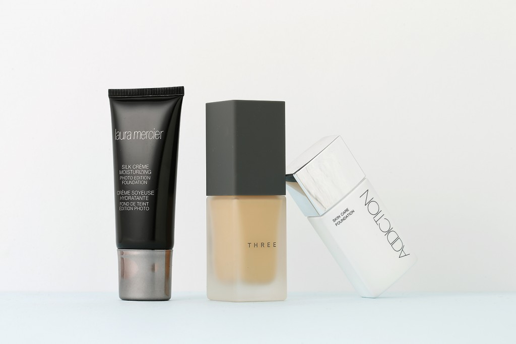 THREE LAURA MERCIER ADDICTIONのファンデーション